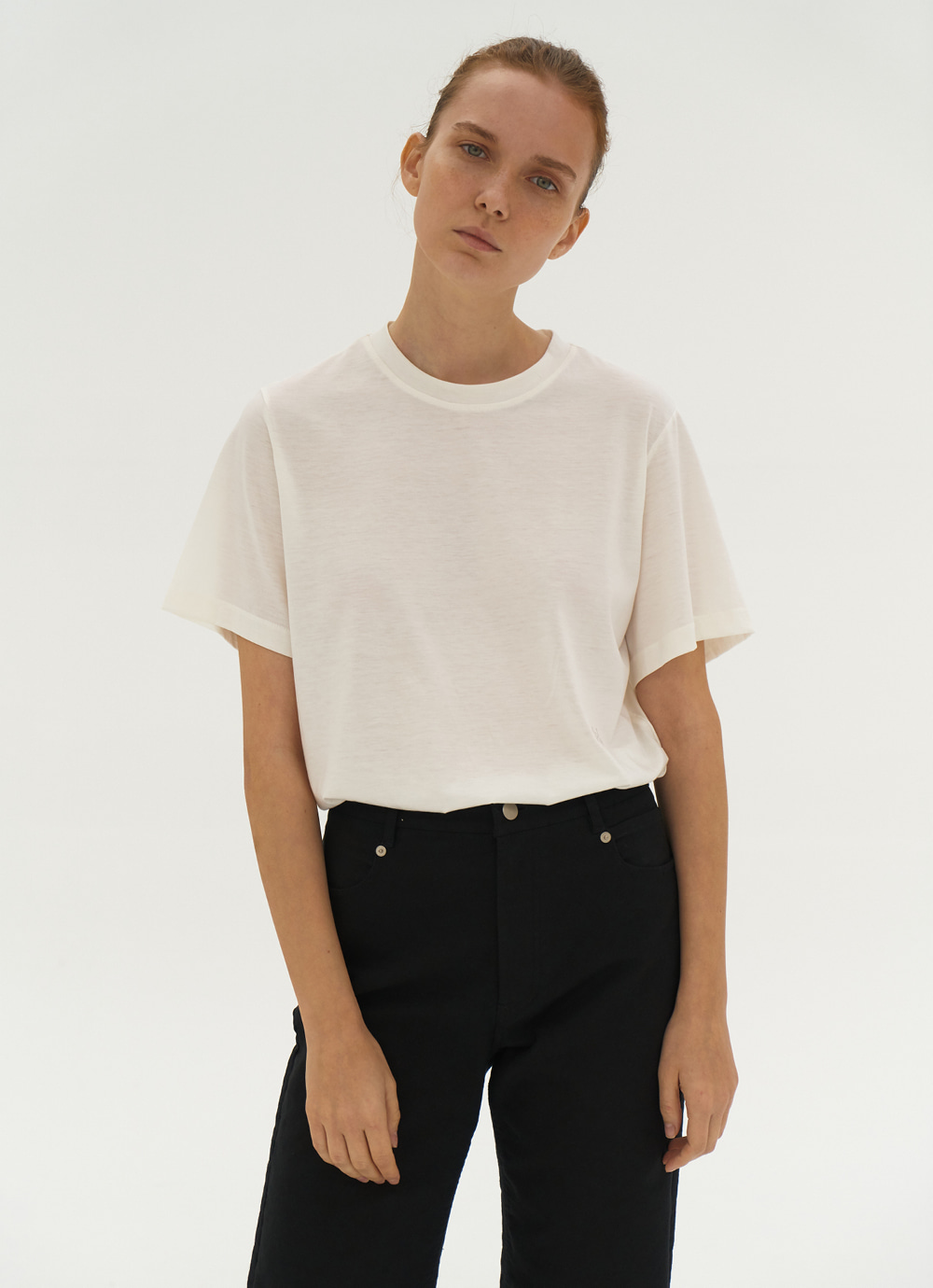 Embroidered T-shirt [Ivory]