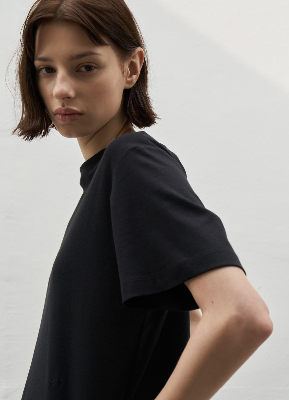 Embroidered Cotton T [Black]