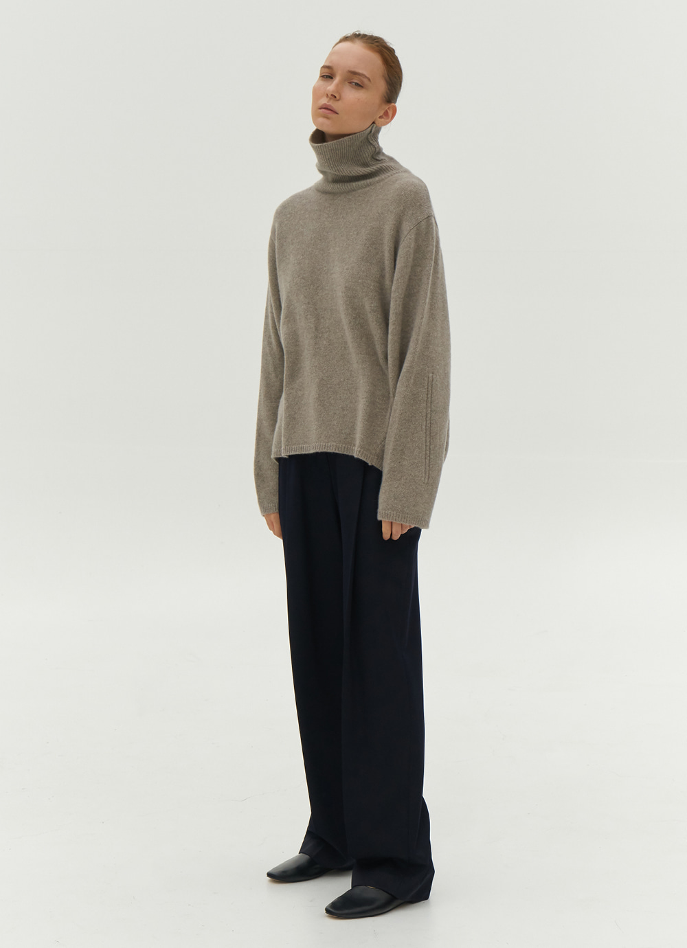 Tasmania Wool  Turtle Neck [Warm Grey]
