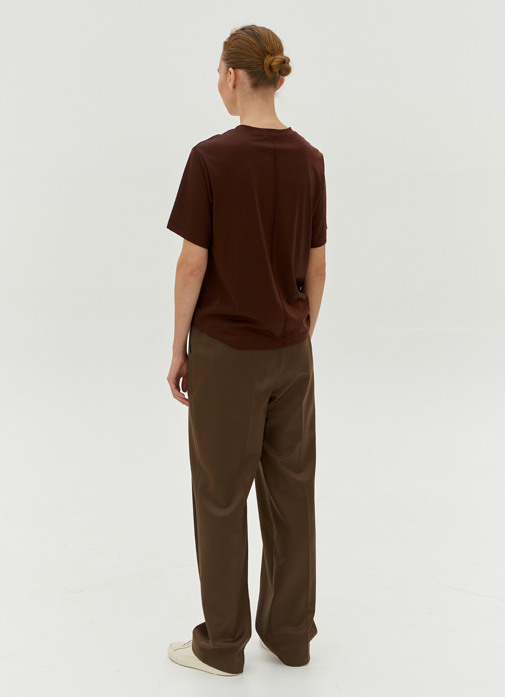 Embroidered T-shirt [Brown]