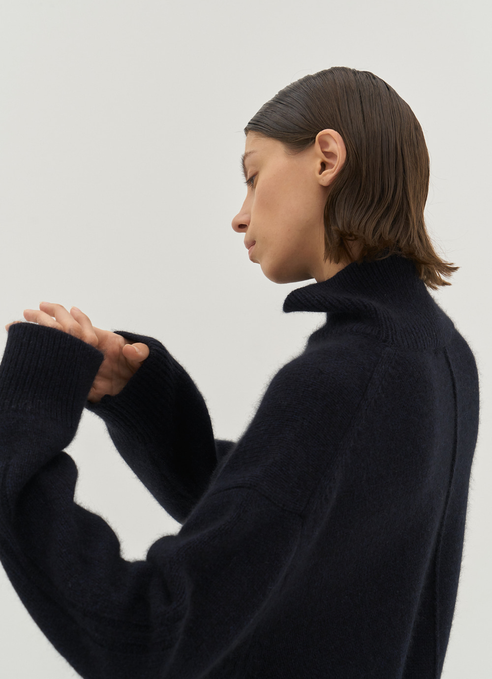 High Neck Knit [Navy]